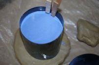 Le coffrage est rempli de plâtre